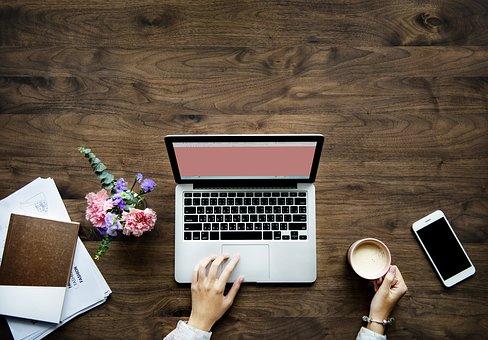 Essay on Internet in Hindi - इंटरनेट पर निबंध